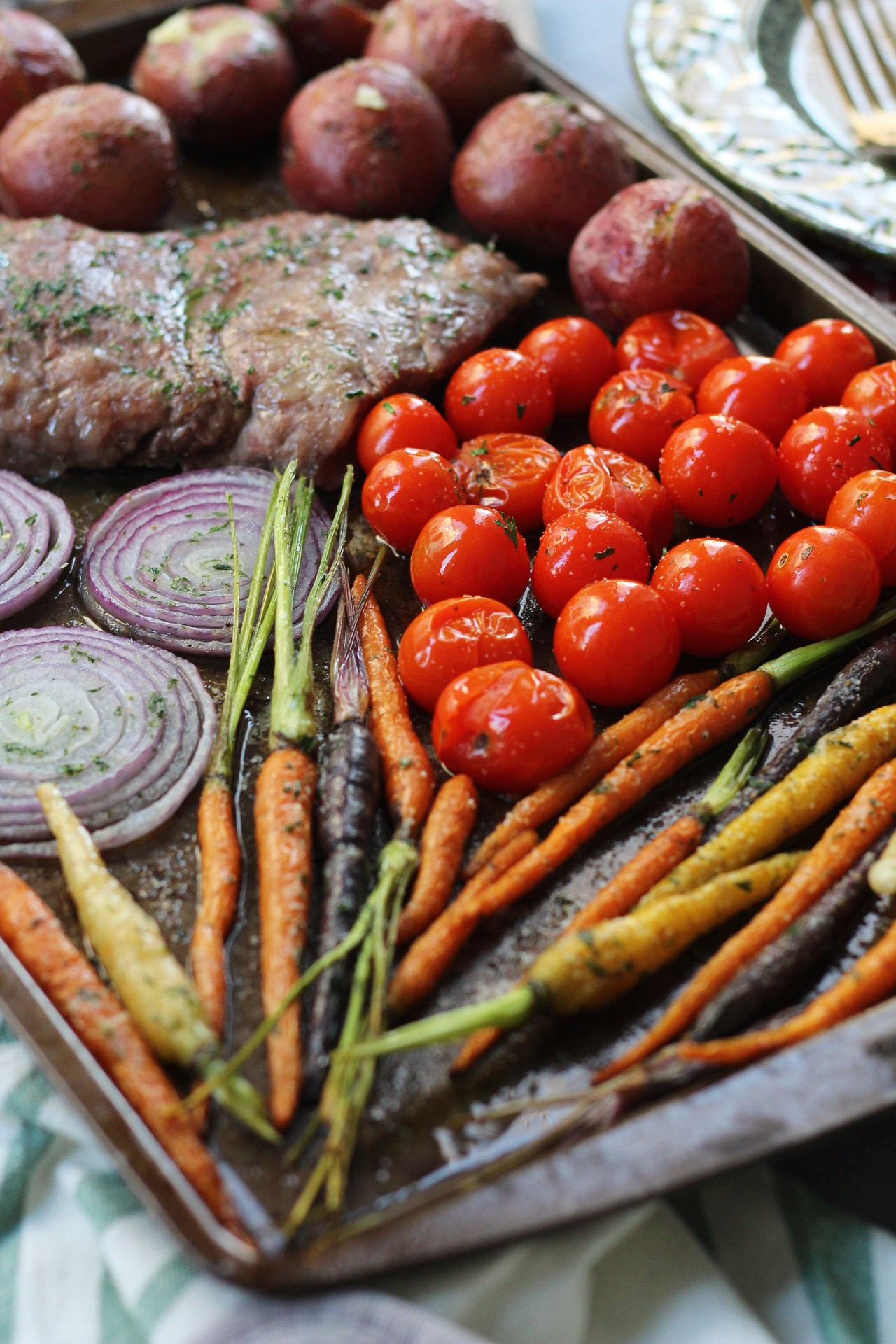 steak and veggies sheet pan meal