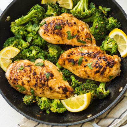 Whole30 Lemon Chicken Skillet with Broccoli (Paleo, Low Carb)